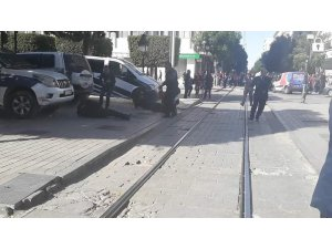 Tunus'ta intihar saldırısı: 10 yaralı
