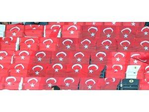 Spor Toto Süper Lig: Beşiktaş: 1 - Ç.Rizespor: 0 (Maç devam ediyor)