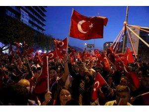 Nilüfer'de 200 bin kişi Cumhuriyet için yürüdü