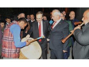 Bafra'da Cumhuriyet kutlamasında Başkan Şahin'e büyük ilgi
