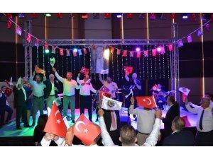 Atatürk Lisesi mezunları, Cumhuriyet Balosu'nda buluştu