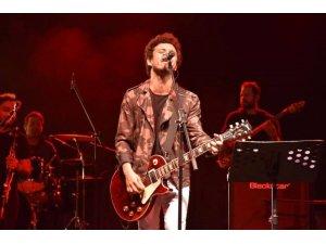 Ünlü sanatçı Buray Süleymanpaşa'da konser verdi