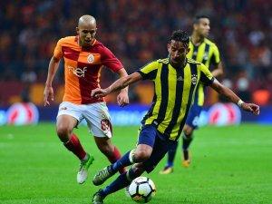Türk Telekom Stadyumu'nda 10. Galatasaray - Fenerbahçe derbisi