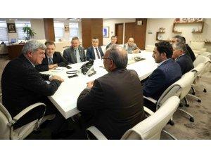 Başkan Karaosmanoğlu, Dilovası'nda muhtarlarla buluştu