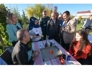 Sandıklı'daki Geleneksel ve Yöresel Değerler Sempozyumu Kültür Sanat Etkinlikleri sona erdi