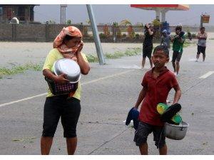 Filipinler'de Yutu Tayfunu etkisini sürdürüyor