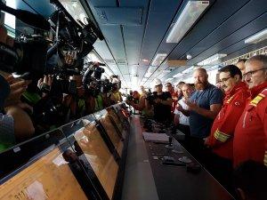 Türkiye'nin ilk yerli sondaj gemisi Fatih Sondaj Gemisi'nde Enerji ve Tabii Kaynaklar Bakanı Fatih Dönmez'ın katılımıyla sondaj başladı.
