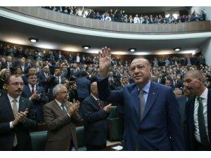 """Cumhurbaşkanı Recep Tayyip Erdoğan, Melih Gökçek ile ilgili, """"Gökçek dava arkadaşım. Yol arkadaşlığımızın devam edeceğini düşünüyorum"""" dedi."""