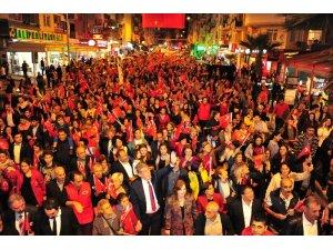 İzmir'deki Cumhuriyet coşkusu gece boyu devam etti