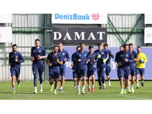 Fenerbahçe derbi hazırlıklarını Erwin Koeman'la sürdürüyor