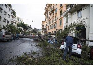 İtalya'da fırtına kaynaklı ölümlerin sayısı 9'a çıktı