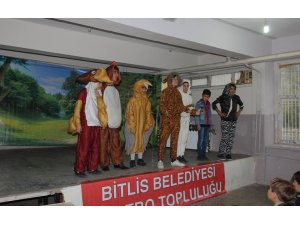 Bitlis'te 'Ormandaki Dostluk' oyunu sahnelendi