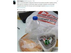 Aracında yemek unutan öğrencileri sosyal medyada arayan aile, bulunca onlara sarma saracak