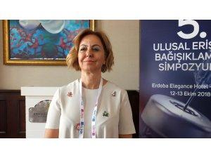 """Prof. Dr. Esin Şenol'dan """"aşıda bilgi kirliliği"""" uyarısı"""