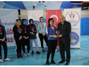 KYK öğrencilerinin masa tenisi turnuvası sona erdi