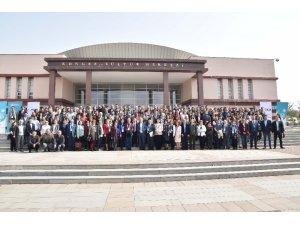 Dünyanın seçkin türkologları Eskişehir'de buluştu