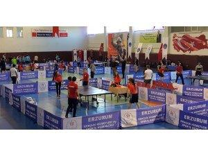 Masa tenisçileri Cumhuriyet Kupası'nda yarıştı