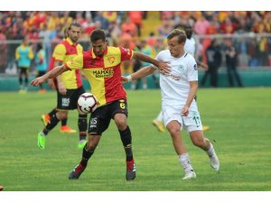 Göztepe'de en agresif futbolcu Andre Poko