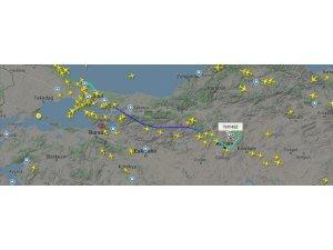 İstanbul Havalimanı'ndaki ilk tarifeli uçuş radardan görüntülendi