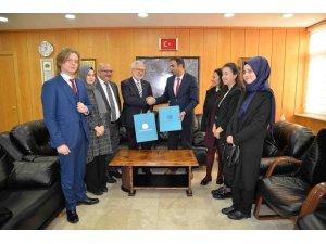 Projeci liseye Uludağ Üniversitesi'nden destek