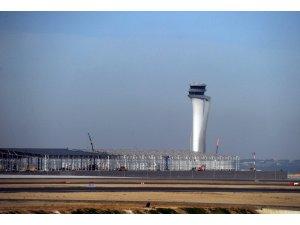 İstanbul Havalimanı'ndan ilk uçuş Ankara'ya yapıldı