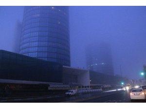 İstanbul'da etkili olan sis nedeniyle görüş mesafesi düştü