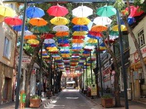 """Çankırı'da """"şemsiyeli sokaklar"""""""