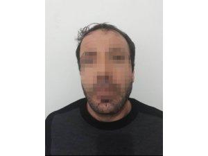 Jandarma camdaki parmak izinden cinayet şüphelisini yakaladı