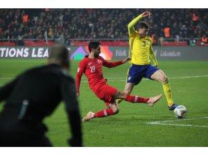 UEFA Uluslar Ligi: Türkiye: 0 - İsveç: 0 (İlk yarı)