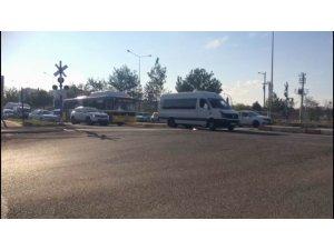 Bariyerler kapandı alarmlar çaldı, sürücüler dikkate almadı