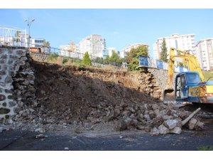 Samsun'da çöken çocuk parkı duvarını yapan müteahhit konuştu
