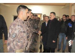 Vali Akbıyık'tan Özel Harekat polislerine ziyaret