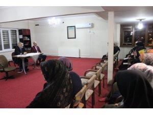 Müftü Çetin, Kız Kur'an Kursu öğrencileriyle sohbet gerçekleştirdi