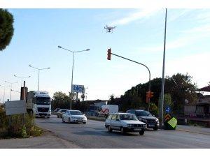 Polis hatalı sürücüleri drone ile yakaladı