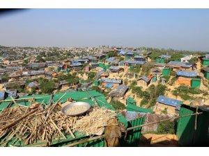 1.3 milyon Arakanlı'ya insani yardım