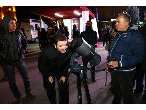 Aksaray'da teleskoplarla ay gözlemi yapıldı
