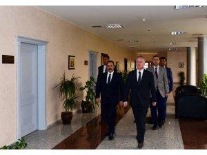 Vali Gül'den Rektör Gür'e ziyaret