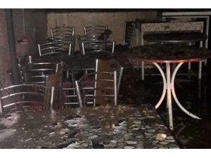 Van'da 4 iş yeri yandı