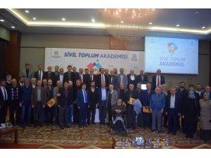 STK Akademisi öğrencileri sertifikalarını törenle aldı