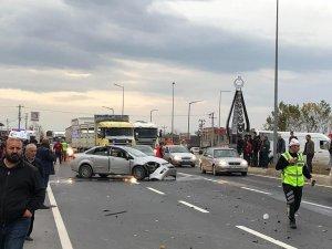 Düzce'de iki otomobil çarpıştı: 3 yaralı
