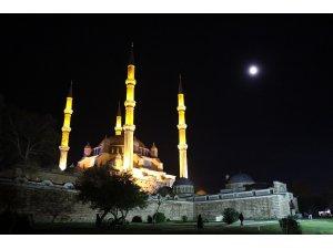 Selimiye'de Mevlit Kandili coşkusu