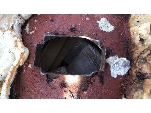 Lüks otomobile uyuşturucu operasyonu: 54 Kilo 800 gram eroin 8 kilo 490 gram afyon sakızı ele geçirildi
