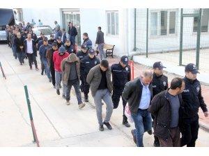 Besici operasyonunda gözaltına alınan 21 kişi adliyeye sevk edildi