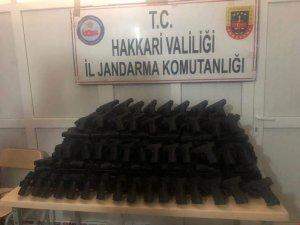 Hakkari'de 339 adet kurusıkı tabanca ele geçirildi