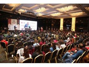 Antalya'da Azeri ve Türk gençleri buluştu