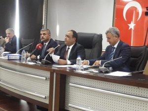 Adana Büyükşehir Belediye Meclis Toplantısı aç-kapa yapıldı