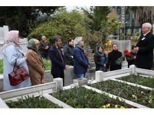 Usta Sanatçı Kerem Yılmazer, vefatının 15.yılında mezarı başında anıldı