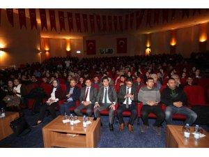 Öğrenci ve Öğretmenlere Bilinçli Teknoloji ve Sosyal Medya Kullanımı Konulu konferans verildi