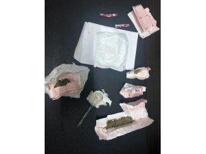 Uyuşturucudan sabıkalı iki kişi uyuşturucu ile yakalandı