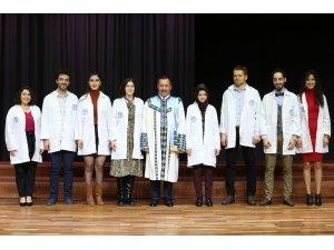 PAÜ'de diş hekimi adayları beyaz önlüklerini giyindi